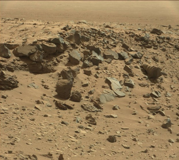 "Context image for the ""snail shell"" rock. Credit: NASA / JPL-Caltech"