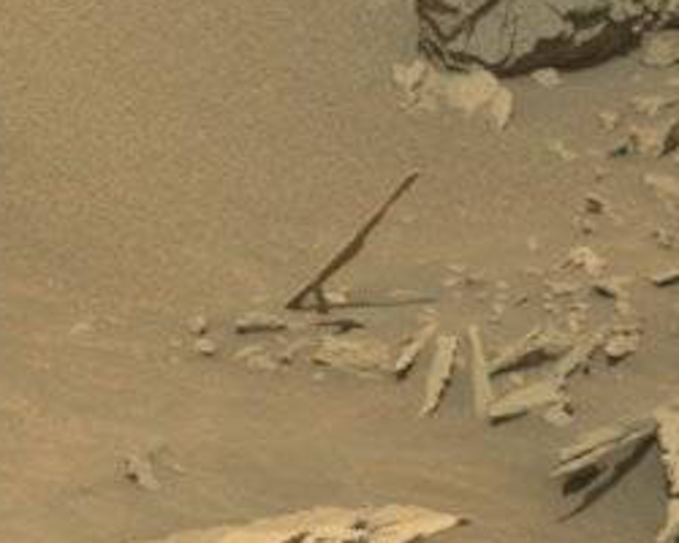 """Needle"" #2, seen by Curiosity on sol 1087. Photo Credit: NASA/JPL-Caltech/MSSS"