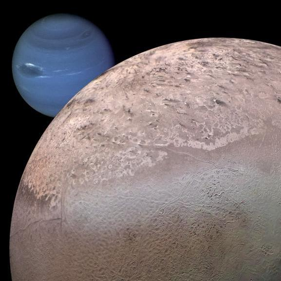 A moon falling apart: grooves on Phobos are a sign of its ...